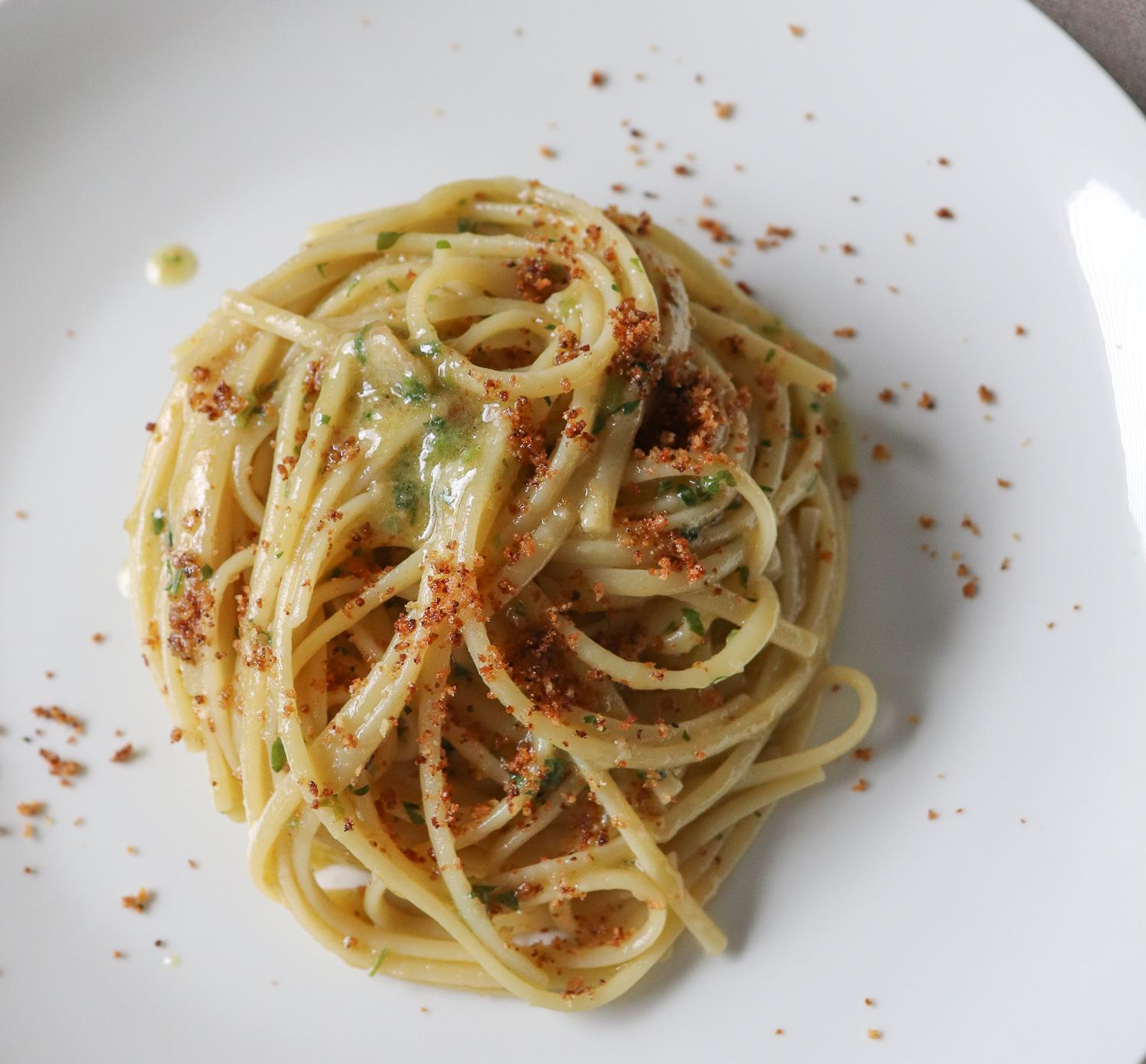 Pasta Aglio e Olio Recipe (Pasta with garlic and olive oil)
